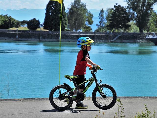 caschi bici bambini